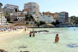 Viel Platz am Strand von Cala Mayor auf Mallorca