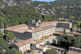 Urlaub mal anders auf Mallorca: Wenn die Jungfrau von der Wand aufs Bett blickt
