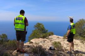 Brite fällt auf Ibiza mehr als 100 Meter in Abgrund