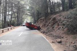 Auto überschlägt sich auf Bergstraße auf Mallorca