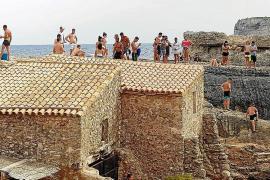Die Cala S'Almunia ist bei Einheimischen und Urlaubern sehr beliebt.