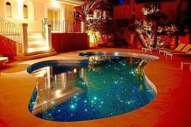 Diesen Pool hübschte Ranzenberger auf.