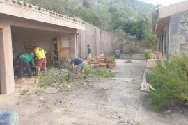 Freiwillige räumen im Tramuntana-Gebirge auf
