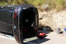 BMW-Fahrer will auf Mallorca Radlern ausweichen und überschlägt sich