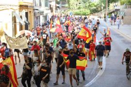 Rund 500 Personen hatten sich dem Protestzug angeschlossen.