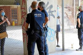 Polizei räumt von Obdachlosen besetzten Park in Palma