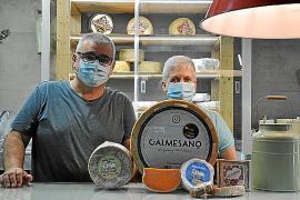 Acht Kilo wiegt dieser gereifte Schafskäse aus Lluís Cireras Produktion.