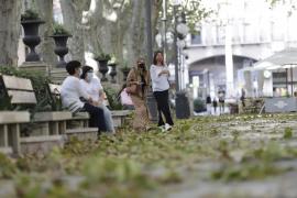 Metallteil stürzt auf Restaurant-Gäste in Palma