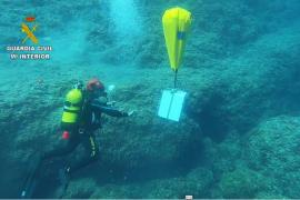 Polizisten holen Tresor voller Geld vom Meeresgrund vor Mallorca