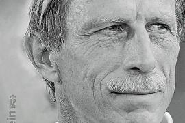 """""""Christoph Daum – Immer am Limit"""" ist im Ullstein-Verlag erschienen. Der Trainer hat das Buch zusammen mit dem Journalisten Nils Bastek geschrieben. Es umfasst 320 Seiten und kostet in Deutschland 22 Euro."""