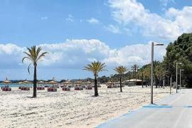 Über 90 Prozent weniger Strandliegen in Alcúdia vermietet