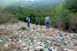Greenpeace prangert illegale Mülldeponie in Felanitx an