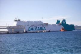 Fähre vor Mallorca-Schwesterinsel Ibiza havariert