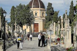 Friedhofbesuch an Allerheiligen auf Mallorca mit Anmeldung