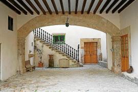 Bisher kann man nur das Erdgeschoss des Haupthauses mit dem imposanten Innenhof besichtigen.