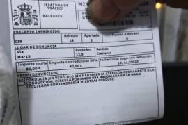 Keks am Steuer gegessen: Autofahrer soll 80 Euro zahlen