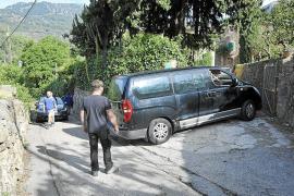 Wanderer verursachen Staus in der Serra de Tramuntana auf Mallorca