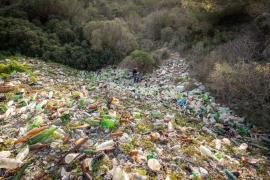 Gemeinde muss große illegale Müllkippe auf Mallorca beseitigen