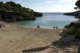 Migrantenboot in Traumbucht auf Mallorca eingefahren