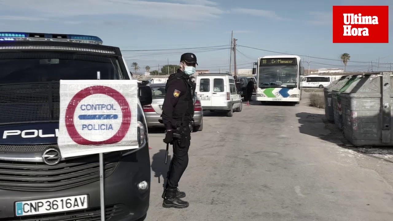Etwa 100 Son-Banya-Bewohner prügeln wüst auf vier Polizisten ein