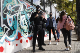 BMW-Fahrer soll versucht haben, Kinder vor Schule auf Mallorca zu entführen