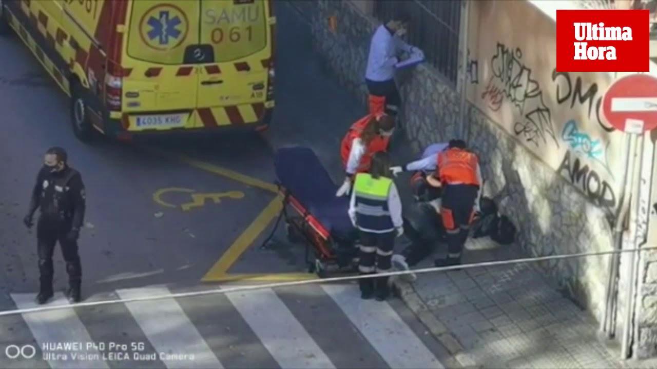 Mann bricht auf offener Straße mitten in Palma de Mallorca zusammen