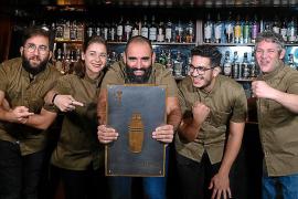 """Auszeichnung für Bar """"Chapeau 1987"""" auf Mallorca"""