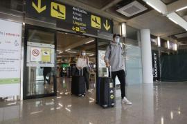 Erste deutsche PCR-Passagiere auf Mallorca sprechen von korrekter Behandlung