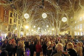Kreative weihnachtliche Lichtershows statt Massenevent in Palma