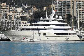 Drei Luxusjachten werden in Werften auf Mallorca repariert
