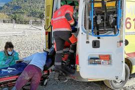 Deutsche verletzt sich auf Mallorca bei Sturz vom Pferd schwer