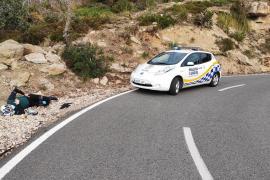 Schwedischer Radfahrer fliegt in der Tramuntana aus Kurve