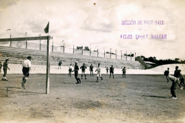 Frühes Fußballspiel auf Mallorca