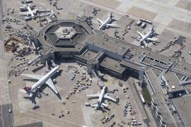 Zahlreiche Verstöße gegen Einreiseregelung auf Deutschlands größtem Flughafen