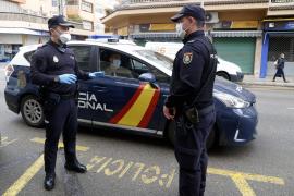 Räuberin reißt 79-Jährigem 32.000-Euro-Uhr vom Arm