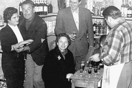 Errol Flynn in der Bar Tirol
