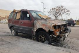 Kinder zünden auf Mallorca Auto mit Insassin an