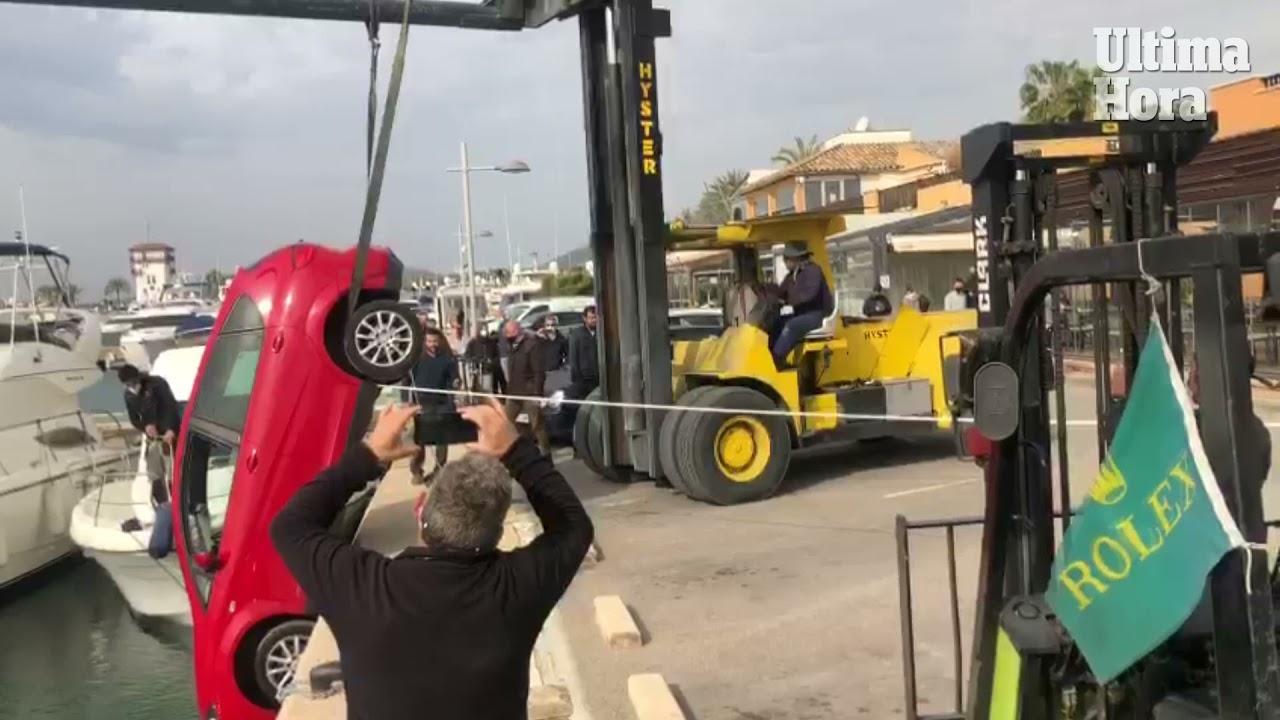 Handbremse vergessen: Auto rollt auf Mallorca los und stürzt ins Hafenbecken