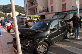 Schwerer Autounfall im Kreisverkehr in Andratx