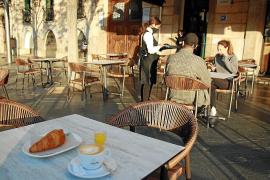 So frühstückt man in der alten neuen Bar Cristal in Palma de Mallorca