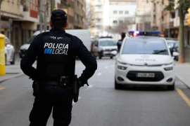 Polizisten entdecken Teller voller Drogenreste in Bar in Can Pastilla