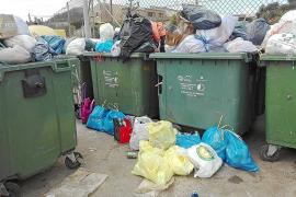 In Cala Millor quellen die Müllcontainer über