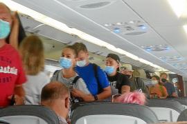 Freier Mittelsitz im Flugzeug reduziert Ansteckungsrisiko deutlich