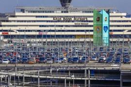 Wirbel um Fahrten zum Flughafen während der Ausgangssperre in Deutschland