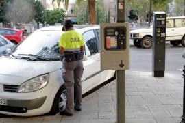 Für große Autos wird es künftig auf Bezahlparkplätzen auf Mallorca teurer