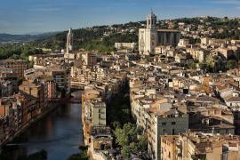 250 Menschen feiern in Spanien bei einem Konzert ohne Abstand