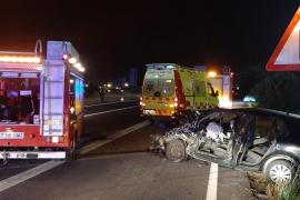 Zwei Tote bei Unfall mit vier Fahrzeugen in Kreisverkehr auf Mallorca
