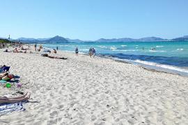 Strandliegen an berühmter Playa de Muro erst viel später