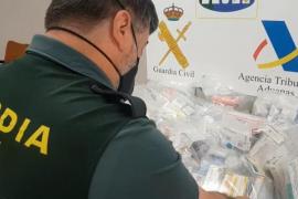 Guardia Civil und Steuerfahnder fingen die Medikamente am Frachtterminal ab.