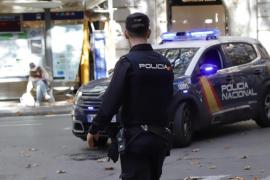 Paar zelebriert Sex vor Kindern auf Supermarktparkplatz in Palma de Mallorca